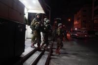 الاحتلال يعتقل 9 فلسطينيين