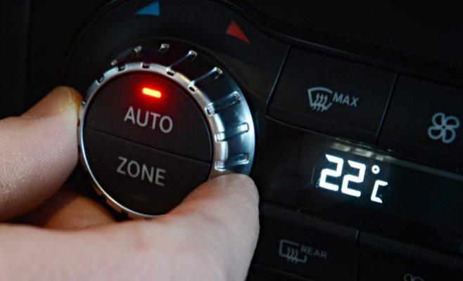 ما هي درجة الحرارة المثالية لمكيف هواء السيارة Image