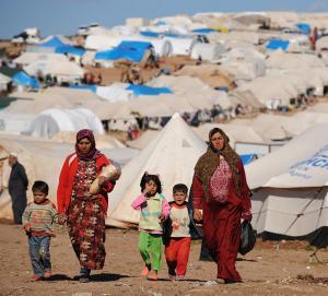 السوريون العالقون على الحدود الاردنية يحتاجون 22 مليون دولار