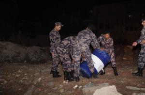 الدفاع المدني يوقف تسرب مادة سامة سريعة الاشتعال بجمرك عمان