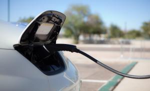 شواحن للمركبات الكهربائية بمحطات الوقود والمولات