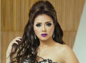 رانيا يوسف تتخلى عن شعرها الطويل وتثير غضب جمهورها (شاهد)