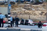 الإحتلال يطلق النار على مركبة في حاجز شرقي القدس