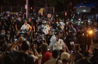 حظر تجول في واشنطن والإحتجاجات تتوسع