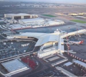 افتتاح توسعة مطار الملكة علياء اﻻثنين