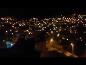 أغلاق شوارع وادي موسى بالاطارات المشتعلة ..  والدرك يتدخل (فيديو)