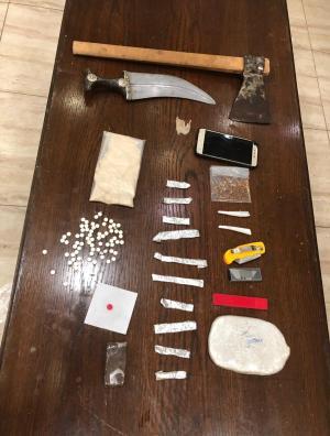 اصابة ضابط وضابط صف بمداهمة مروجين مخدرات في رأس العين