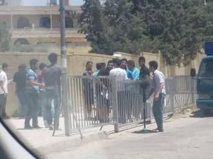 """عمان: طالب توجيهي يصطحب """"مروحة"""" الى قاعد الامتحان (صور)"""