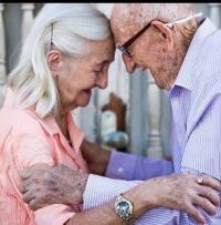الحب الصادق لا يشيخ