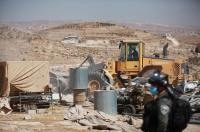 الاحتلال يُصادر مولد كهرباء من عائلة في مسافر يطا