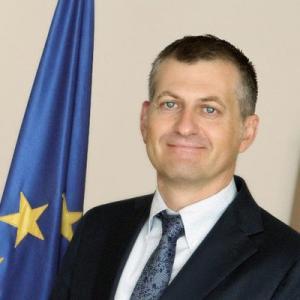 سفير الاتحاد الاوروبي في الأردن يعلق على نتائج التوجيهي