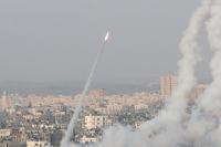 """اصابة 5 """"اسرائيليين"""" بقصف المقاومة على بئر السبع"""