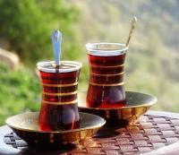 أنواعا من الشاي تساعد على النوم بهدوء