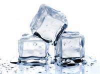 فوائد تجميلية لمكعبات الثلج