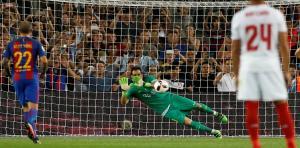 حارس أياكس الجديد يحل أزمتي برشلونة ومانشستر سيتي