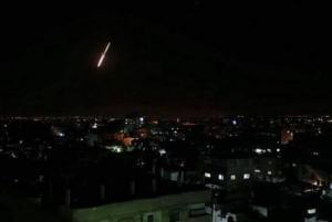 الاحتلال يغير على غزة ليلا