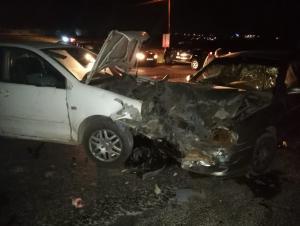 اصابة 4 اشخاص بتصادم مركبتين على الدوار السابع