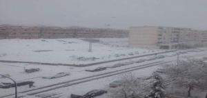 الثلوج تقطع اوصال الجزائر