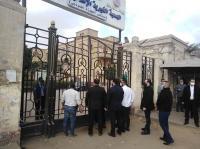 وصول جثمان يوسف شعبان إلى مقابر الأسرة