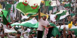 الجزائر تمنع مثيري الشغب من دخول الملاعب