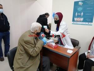 بدء تطعيم المسنين ضد كورونا في مراكز الرعاية اليوم
