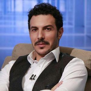 شقيق باسل خياط يلفت الأنظار (شاهد)