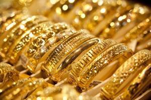 الذهب يرتفع دينارا ونصف بين الخميس والجمعة