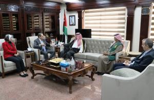 وصول شحنة الأوكسجين الطبي السعودية للأردن