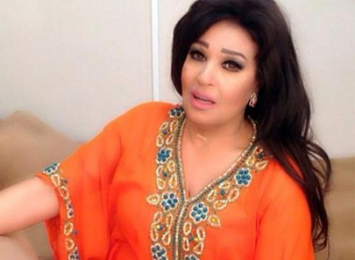فيفي عبده تحتفل بعيد ميلادها بطريقة غريبة (فيديو)