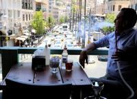 مقاهي وسط البلد بعد السماح بتقديم الارجيلة (صور)
