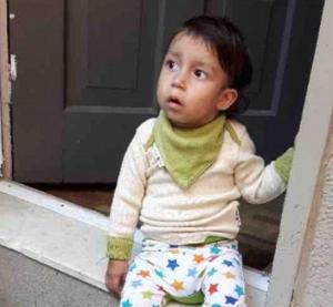 طفل معرض للموت عند تناول أي شيء غير الخوخ!