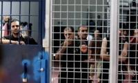 الأسرى بسجون الإحتلال يستأنفون خطواتهم الإحتجاجية