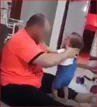 السعودية تلقي القبض على معنف طفلته
