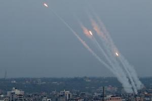 عشرات الاصابات بين المستوطنين بصواريخ المقاومة الاخيرة