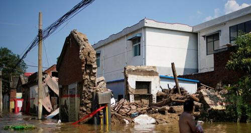 الصين تستخدم الدرونز في مكافحة الفيضانات…