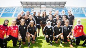 الملكة رانيا: الاردن فخور بنشميات المنتخب
