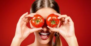 """مالا تعرفينه عن الفوائد الصحية لـ """"عصير الطماطم"""" !"""