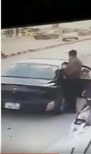 هكذا طاردت قوة أمنية مروجي مخدرات في الحسينية (فيديو)