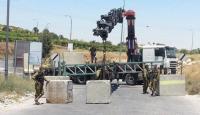 الاحتلال يغلق حي الشيخ جراح بالمكعبات الإسمنتية