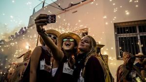 4 أسباب لهوس النشر على مواقع التواصل
