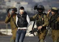 حملة اعتقالات تطال 14 فلسطينيا بالضفة