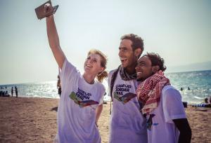 أردنيان يتعرفان على بلدهما مشيا على الأقدام في 39 يوماً(صور)