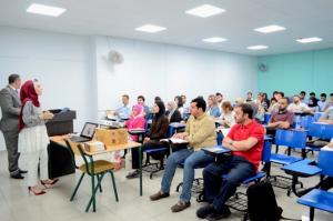 ورش عمل لطلبة كلية الآداب والعلوم بجامعة عمان الأهلية