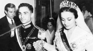 عزاء الأميرة دينا في منزل الأميرة عالية