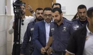 الإحتلال يمدد اعتقال محافظ القدس