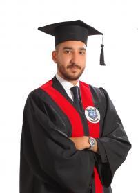 الزميل الصحفي مدحت قويدر والعائلة يهنئون نجلهم علاء بالتخرج