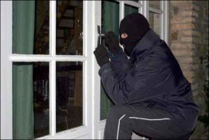 القبض على لص امتهن سرقة المنازل في الزرقاء