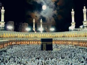 السعودية تعلق الدخول إلى أراضيها لأغراض العمرة