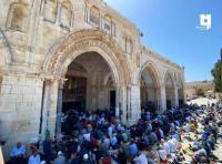 أكثر من 60 ألفا أدوا صلاة الجمعة في الأقصى (صور)
