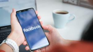 """فيسبوك عالق بين فلسطين و""""إسرائيل."""""""